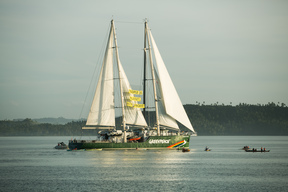 Rainbow Warrior in Tacloban
