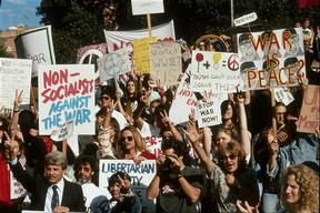 Demonstration in Washington against the Gulf War. In front of the  Capitol.