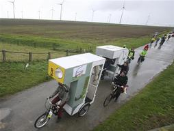 Bicycle Trailers for 'Switch'- Campaign start touring in Groningen