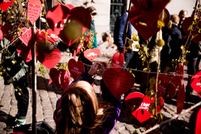 Signed Hearts Delivered to Environmental and Food Minister in Copenhagen