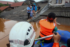 Evacuation of Floods Victims in Jakarta