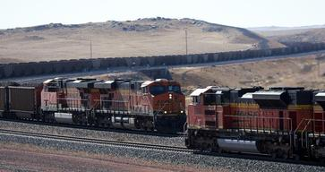Coal Train near Cordero Rojo Mine in USA