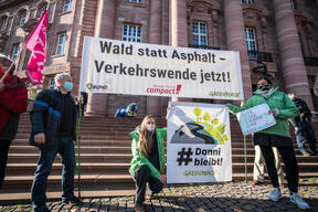 Petition Handover in Wiesbaden for the Preservation of the Dannenroeder Forest