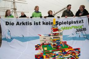 JAGs Arctic Action with LEGO Oil Rig in Hamburg