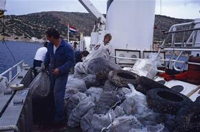 Collection of 3,500kg of Trash from Seabed