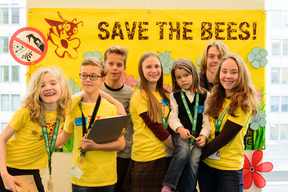"Greenteam ""Save the Bees"" Action in the EU Parliament"
