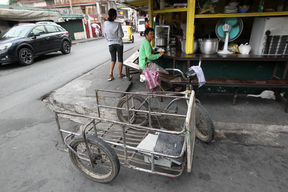 Local People Collecting Electronic Waste in Manila