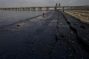 Oil Spill Damage in Dalian